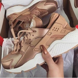 competitive price 276e2 52923 Nike. NIKE AIR huarache ROSE GOLD VRARE